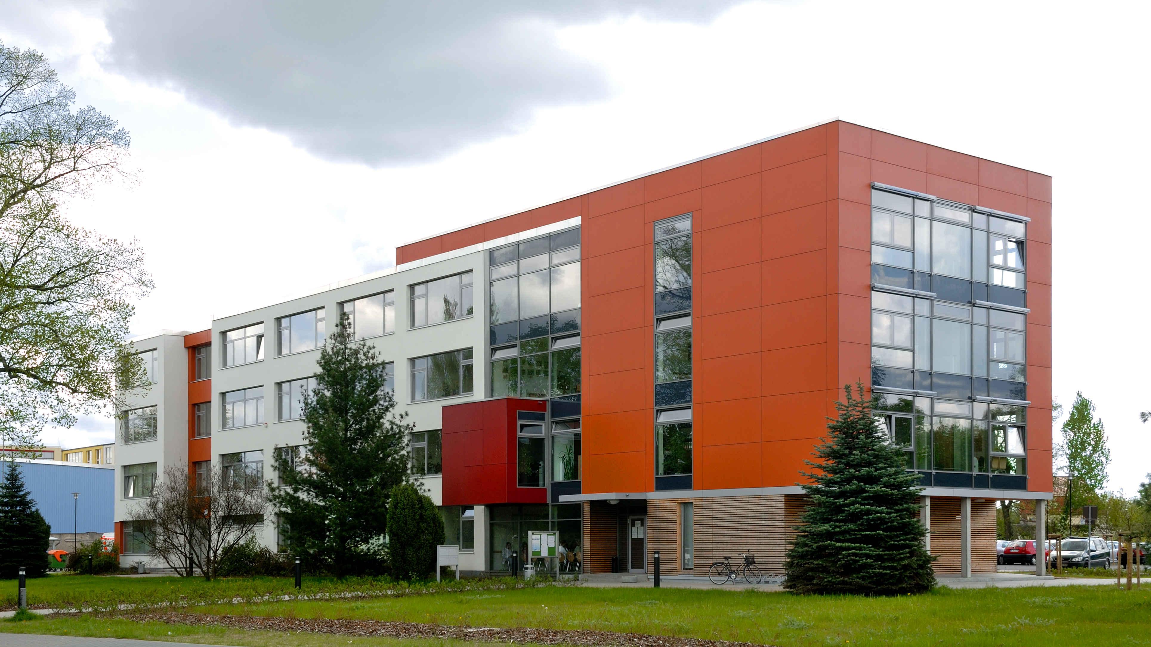02-kreishaus-barnim-w